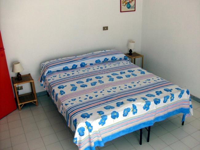 Appartamento con piscina vicino a tropea in calabria - Camera da letto soppalcata ...
