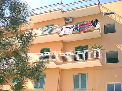 Appartamenti e camere a tropea appartamenti per vacanze for Foto di appartamenti arredati