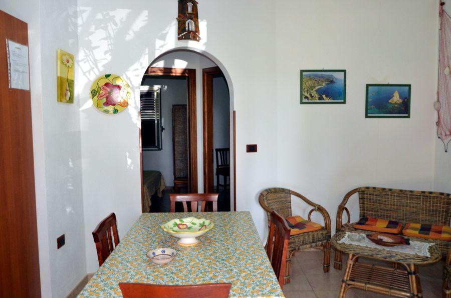 Soggiorno Mare Italia: Coral vista villa studio rooms.