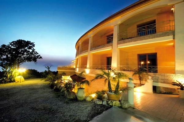 Hotel Blu Tropical, Hotel a Zambrone in Calabria.