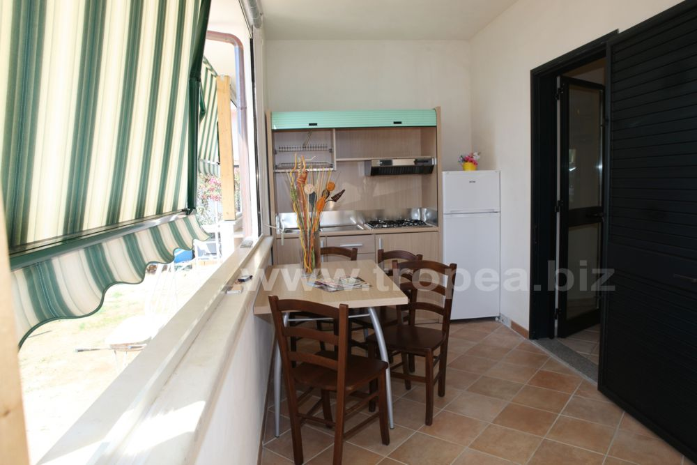 Casa vacanze a capo vaticano casa margherita - Cucina in veranda ...
