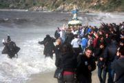 Foto della processione al mare della Madonna.