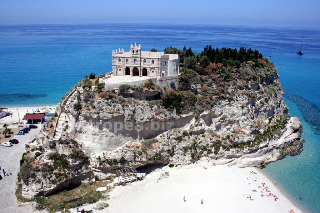 Isola Bella Tropea
