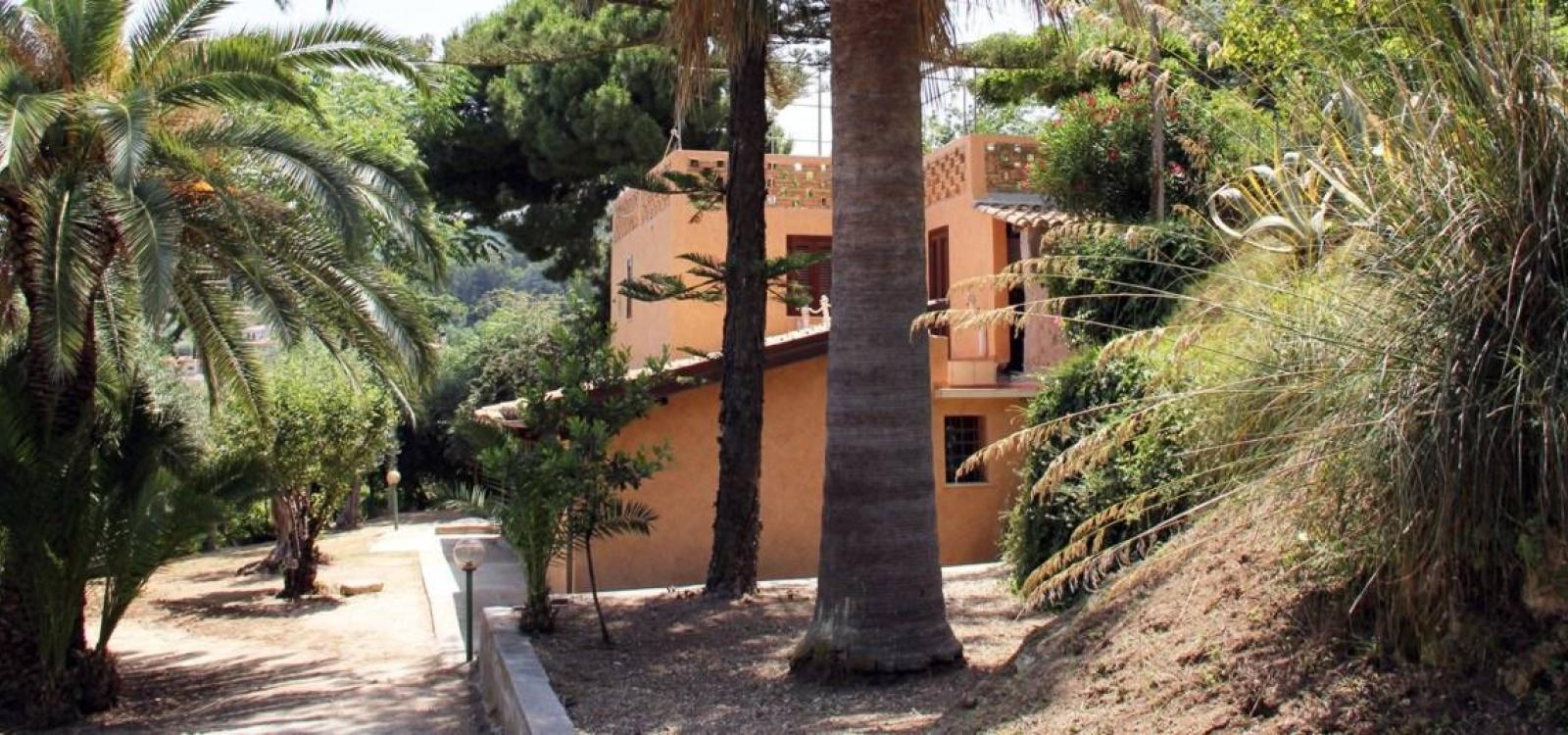 Ville e casali, Affitto per vacanze, Loc. Conte, ID Struttura 1137, Santa Domenica , Vibo Valentia, Italy, 89866,