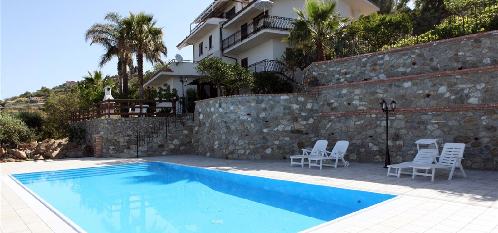 Villa con piscina in Calabria